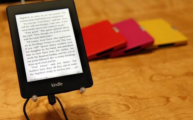 Kindle Paperwhite tem tela iluminada
