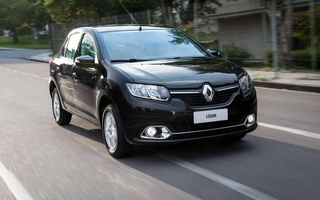O Renault Logan é a compra definitiva, caso você queira levar o destaque entre os sedãs seminovos mais econômicos