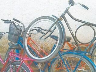 Em tempos de incentivo a uso da bike, ciclista sofre com motorista