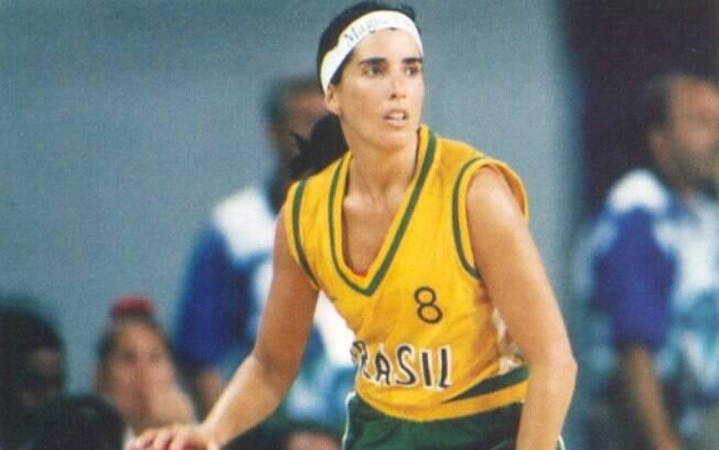 Magic Paula, uma das melhores jogadoras de  basquete da história do Brasil, campeã mundial em  1994