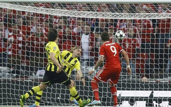 Mandzukic abriu o placar na final da Liga dos  Campeões