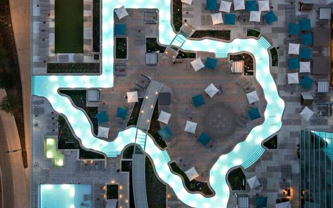 Existe uma piscina no formato do estado do Texas, nos Estados Unidos, que merece lugar na lista de fotos de piscinas