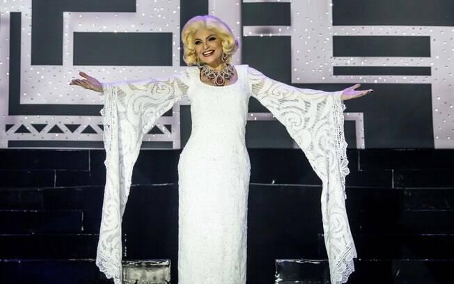 Durante o espetáculo são feitas mais de 20 trocas de roupas e algumas delas eram da própria Hebe