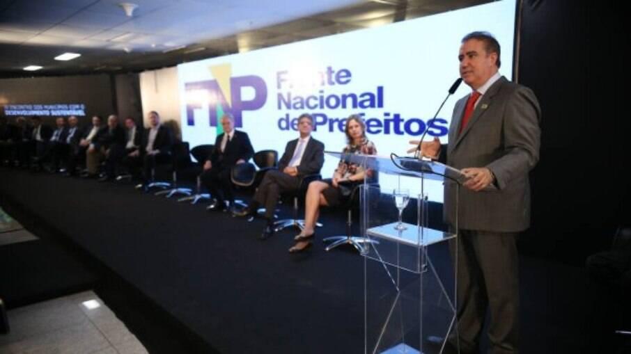 Frente Nacional de Prefeitos (FNP) e mais 120 entidades divulgam nota contra a PEC 110 da reforma tributária