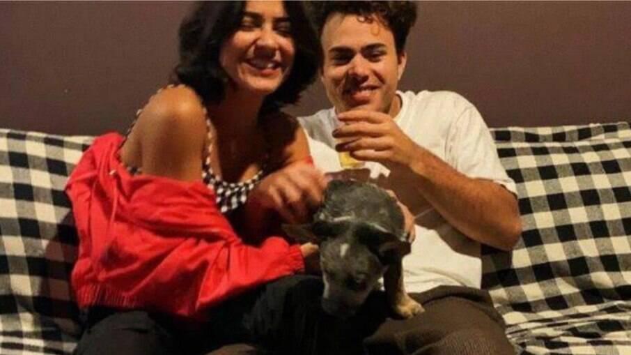 Giullia Buscaccio e Pedro Calais, vocalista da banda Lagum, terminam namoro