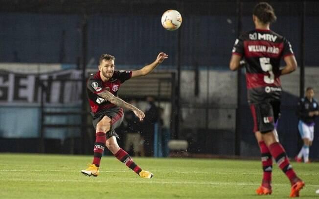 Léo Pereira recebe proposta do Besiktas e pode deixar o Flamengo por empréstimo