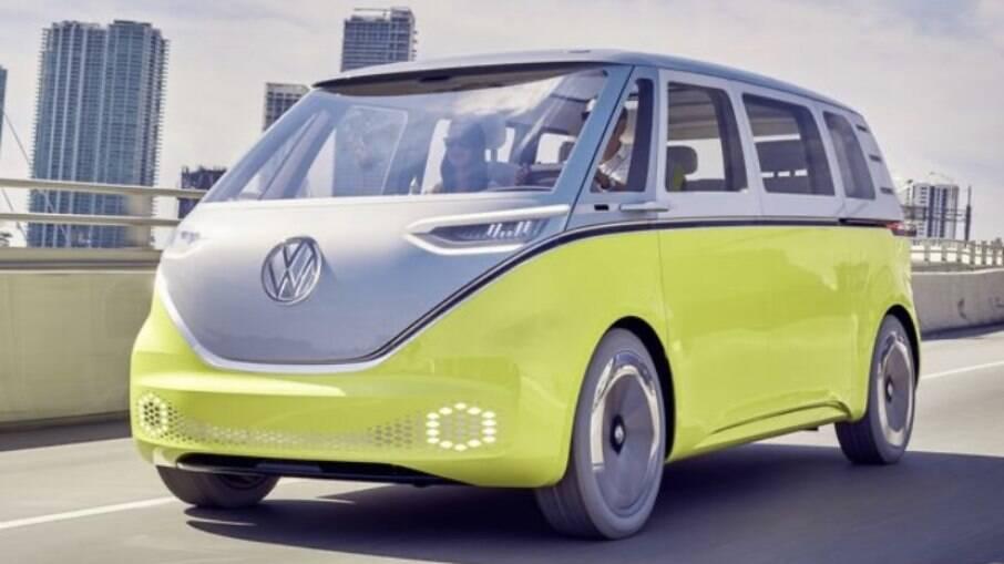 Volkswagen ID.Buzz tem design inspirado na Kombi clássica; modelo não foi confirmado no Brasil