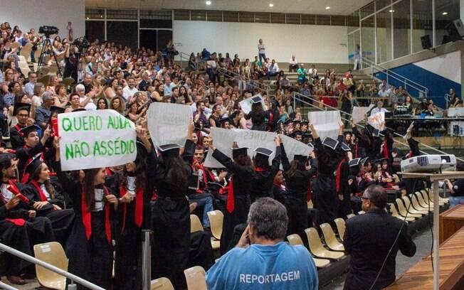 Alunas denunciam assédio sexual e moral de professores no campus da Unesp-Bauru durante evento de colação de grau