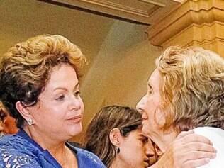 Dilma foi ao velório de Suassuna e ouviu música dedicada a Campos