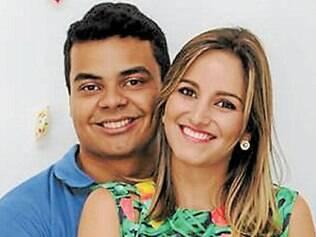 A assessora de comunicação Gabriella Prado, filha de Maristela e Delbson Prado, da Livrão, e Wesley Diniz, filho de Nilza de Fátima e José Diniz, celebraram o noivado no dia 8, ao lado de amigos e familiares.