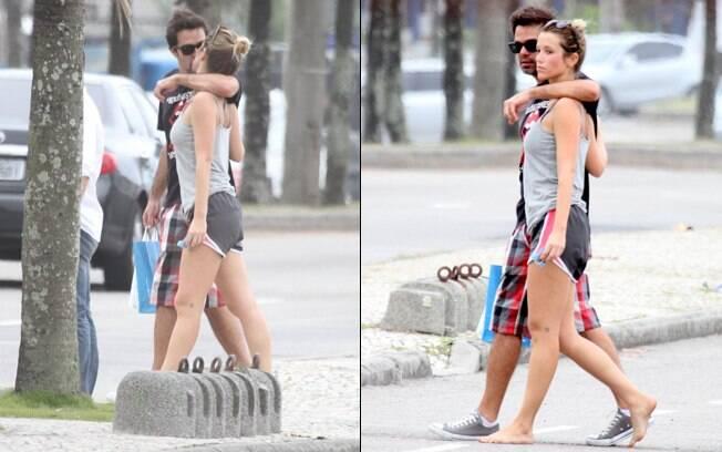 Bruno Mazzeo e Juliana Didone foram embora abraçadinhos