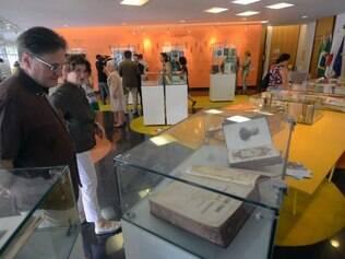 Obras raras dos séculos XVII, XVIII e XIX, que fazem parte do acervo em língua italiana da biblioteca