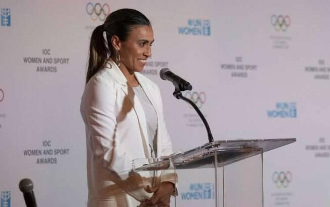 Marta chorou em seu discurso e foi aplaudida de pé pelos presentes