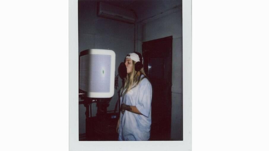 Luisa Sonza compartilha bastidores de Doce 22