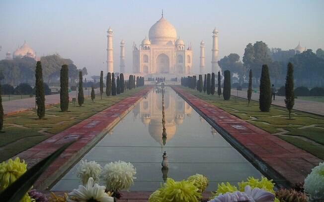 A terceira das 7 maravilhas do mundo moderno é um dos palácios mais bonitos da humanidade, num país incrível