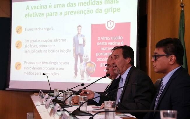 Ministro da Saúde, Gilberto Occhi, afirma que objetivo é vacinar 100% do público-alvo da campanha de vacinação contra gripe