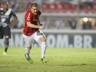 D'Alessandro celebra gol marcado sobre a Macaca no Moisés Lucarelli