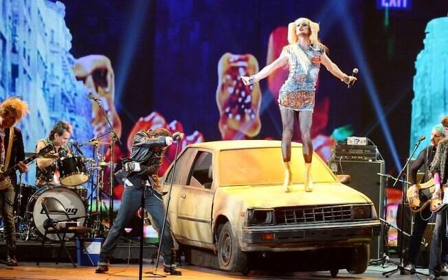 Apresentando um número de 'Hedwig and the Angry Inch', Harris brilhou no palco do Radio City Music Hall