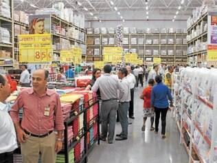 Unidade do supermercado ABC gerou 200 empregos na cidade