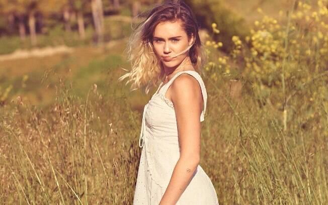 Miley Cyrus chocou com seu novo estilo em entrevista à revista