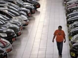 Montadoras de carros de São Paulo dão férias coletivas, reduzem produção e param por conta de demissões
