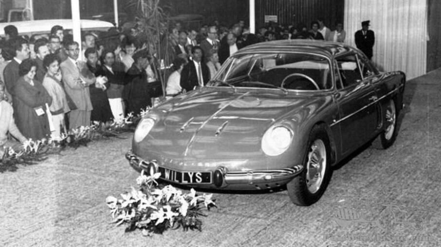 Willys Interlagos foi a versão brasileira do Renault Alpine A 108, dos anos 60