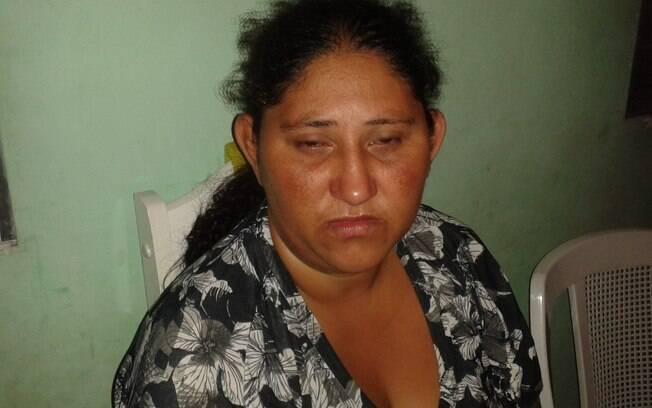 Luciana Souza, mãe de Shirley, é casada com o pai de José Santos e ajudou a criar o assassino da filha