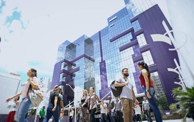 A Universidade Nove de Julho tem 5 campi na cidade de São Paulo e outros 5 na Grande São Paulo