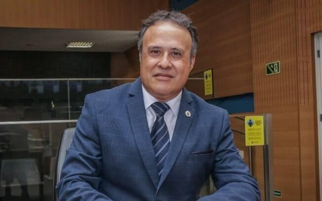 Com covid, vereador professor Alberto, de Campinas, é intubado