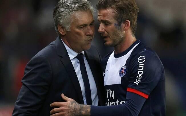 Beckham foi substituído no final do segundo  tempo e deixou o campo bastante emocionado. Na  saída, abraço do treinador Carlo Ancelotti