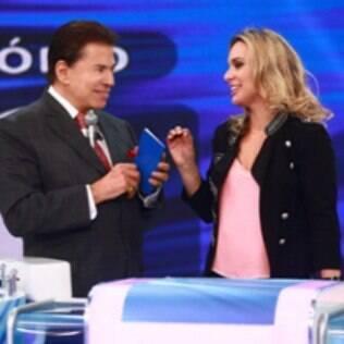Silvio Santos recebe Talita Real no programa