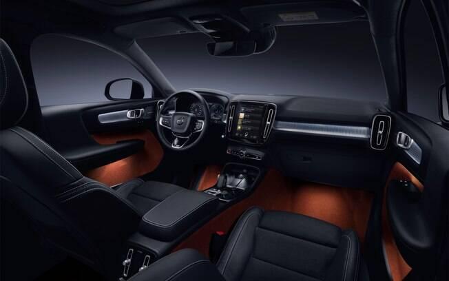 Volvo XC40 T8 é a nova versão topo de linha do SUV da marca sueca no Brasil, com interior caprichado