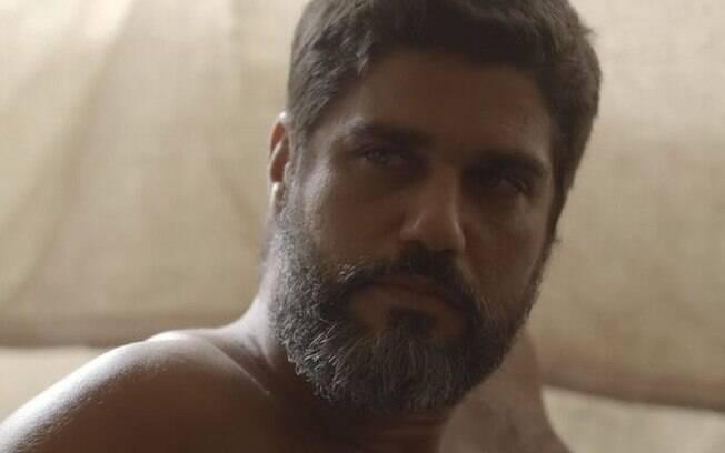 Hussein (Bruno Cabrerizo)