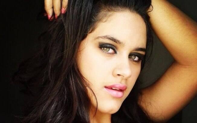 Emily Medeiros, de 18 anos, foi encontrada morta em seu quarto pelo próprio pai, na quarta-feira