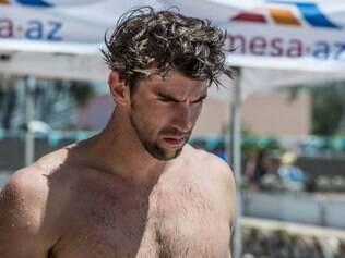 Phelps deixará de receber o pagamento mensal da federação durante este período, e teve sua inscrição no Mundial cancelada
