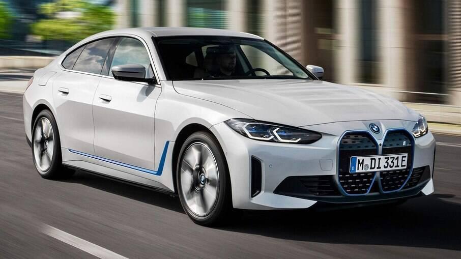 BMW i4 é um sedã com ares de cupê e virá em duas versões: eDrive40 e M50.