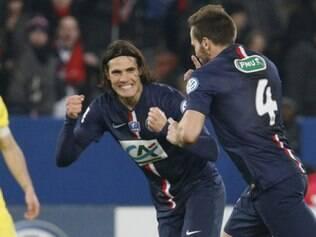 Cavani marcou um dos gols na vitória sobre o Nantes