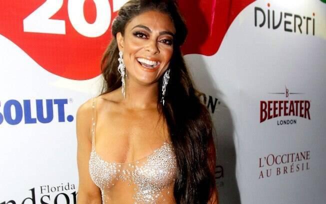 Juliana Paes foi assaltada a caminho da Sapucaí na última segunda-feira (12), mesmo assim curtiu a folia