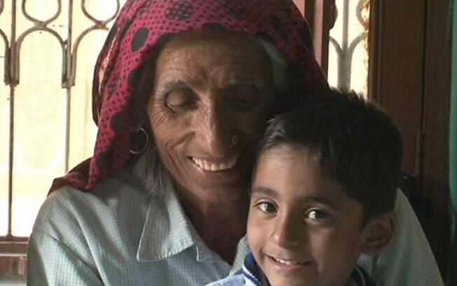 Mulheres idosas em áreas rurais têm sido pressionadas a engravidar para escapar de estigma social