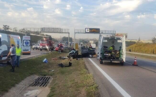 Idosa morre atropelada após tentar atravessar rodovia para ver sobrinha vítima de acidente