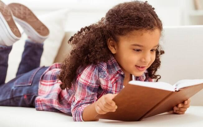 Livros infantis são um bom caminho para falar sobre o tema com as crianças