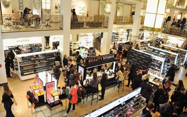 Visão panorâmica da loja Sephora em Nova York