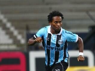 Meia Zé Roberto não participou de treino nesta terça-feira, mas deve enfrentar o Botafogo