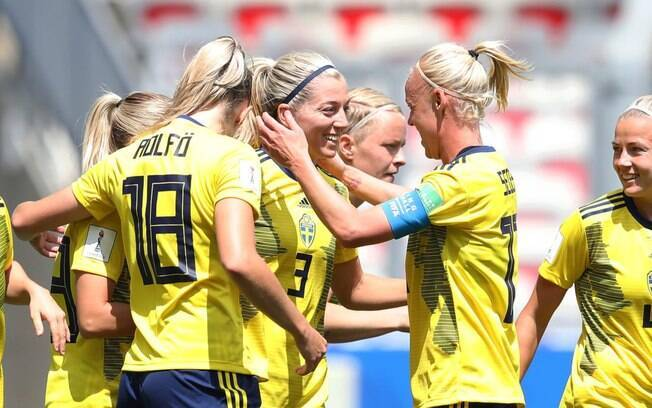 A Suécia é um dos países em que o futebol feminino é superior ao masculino.