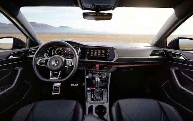 O VW Jetta GLI traz iluminação indireta em LED que muda de cor, conforme o modo de condução escolhido