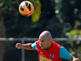 Bruno Rodrigo volta ao time após cumprir suspensão