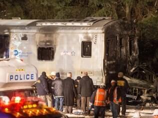 Acidente com trem, no subúrbio de Nova York, deixa sete mortos