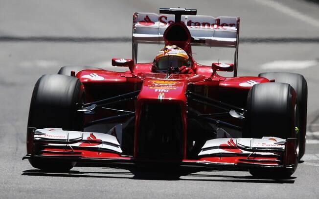 Grande Prêmio de Mônaco foi marcado por  acidentes e liderança tranquila de Nico Rosberg,  da Mercedes