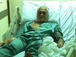 Vazam fotos de Genoino em hospital