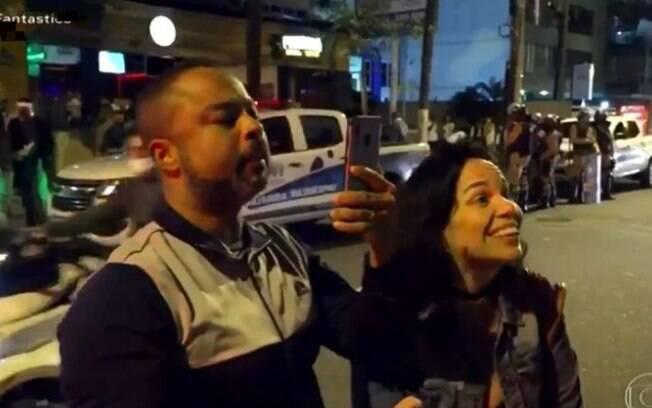 Casal rebate fiscais da prefeitura que pediram que os dois saíssem do bar;